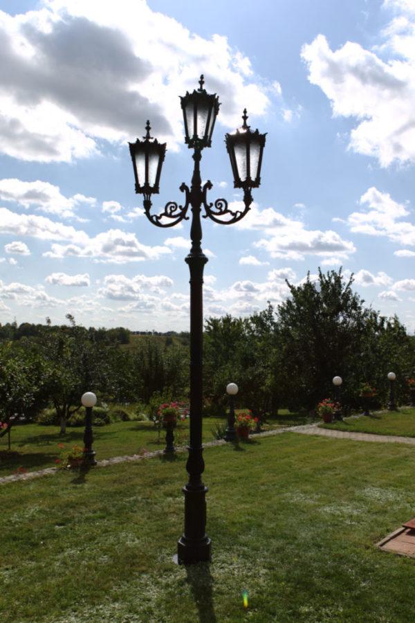 "Lamppost, street lamp ""Orchid""; 3 lanterns H374 atmosphere"