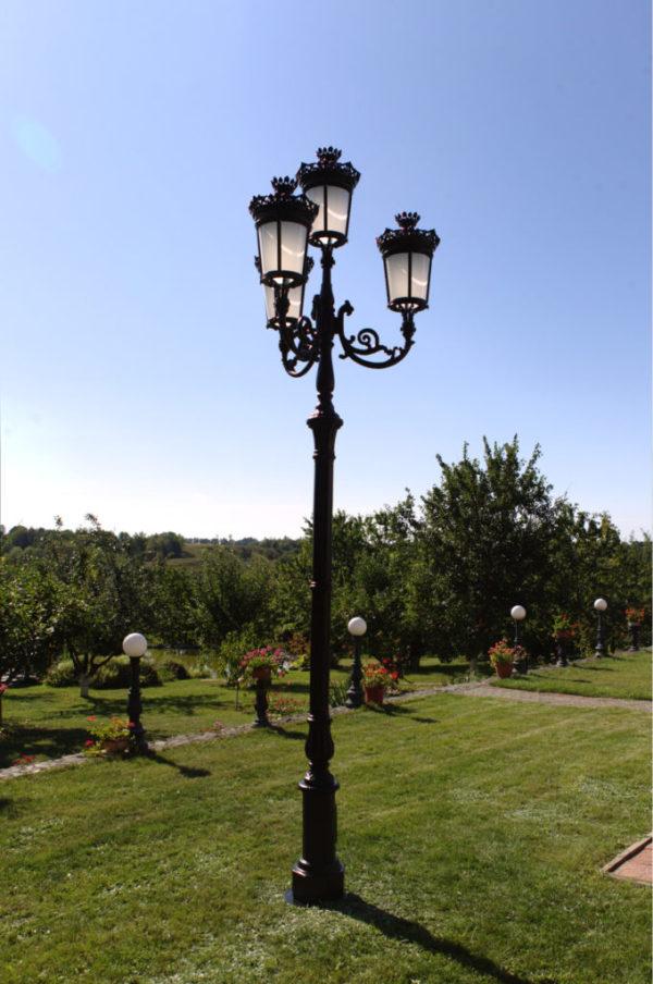 """Lamppost, street lamp """"Paris-Royal""""; 4 lanterns H426 atmosphere"""