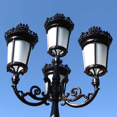 """Lamppost, street lamp """"Paris-Royal""""; 4 lanterns H426 top"""