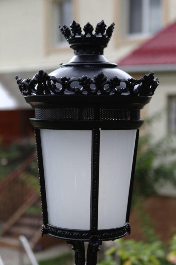 Lamppost-streetlamp-Paris-Royal-with-1-lantern H3m05