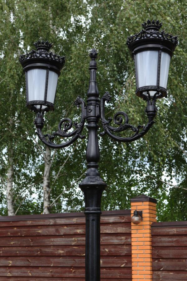 """Lantaarnpaal, straatlantaarn """"Parijse-Royal"""" met 2 lantaarns H3m43"""