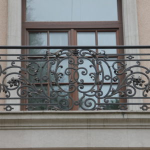 Wrought iron balcony railing (BR-0020180005)