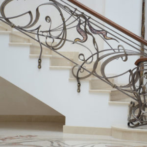 """Wrought iron balustrade with wooden handrail and decorative glass """"Murano"""""""