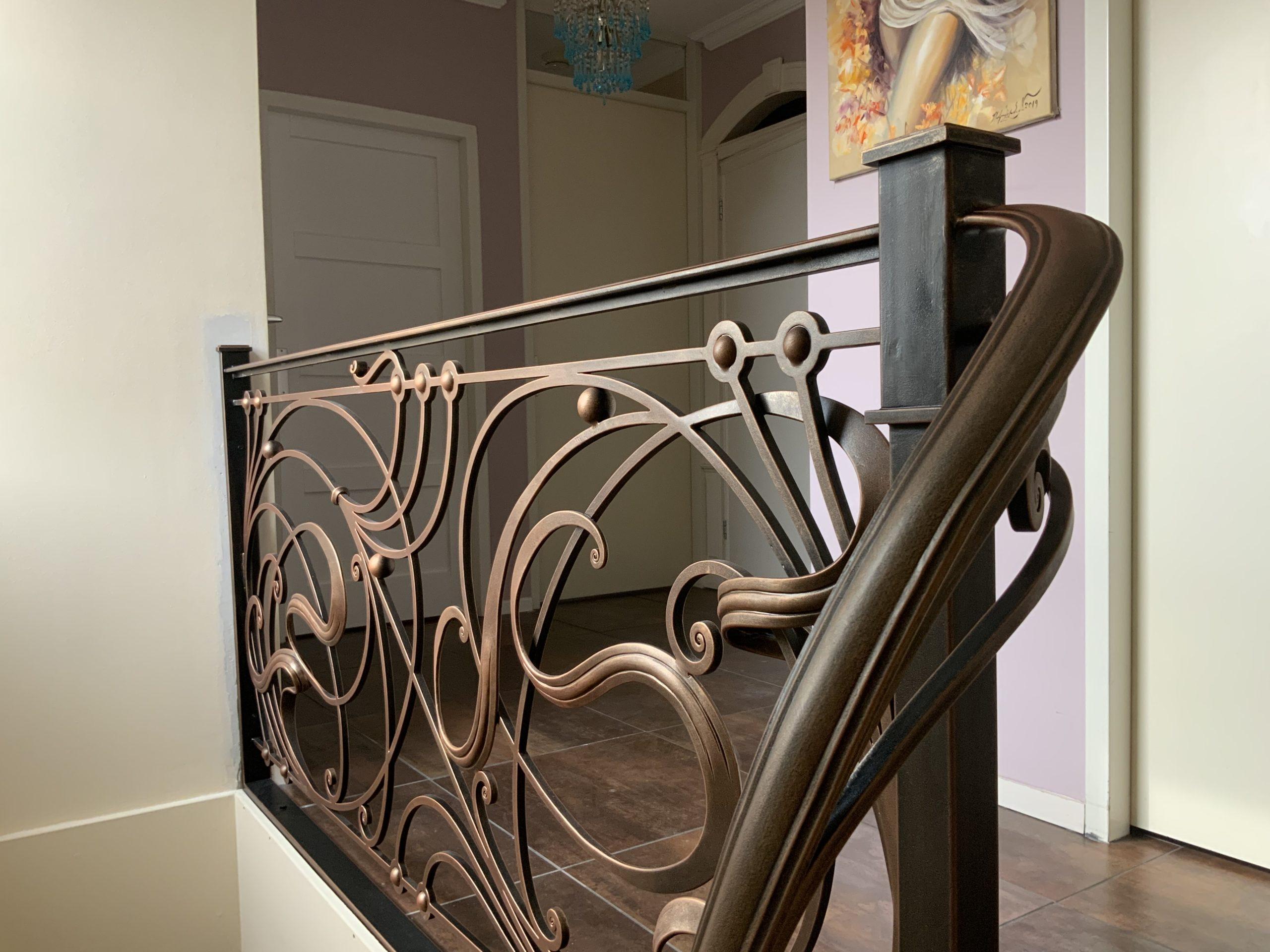 Smeedijzeren trapleuning 'Art Nouveau'