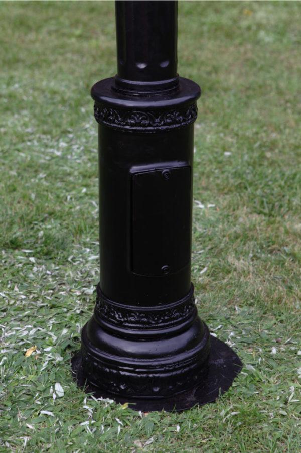 Lamppost-streetlamp -Paris-Royal-with-1-lantern H3m05- detail below